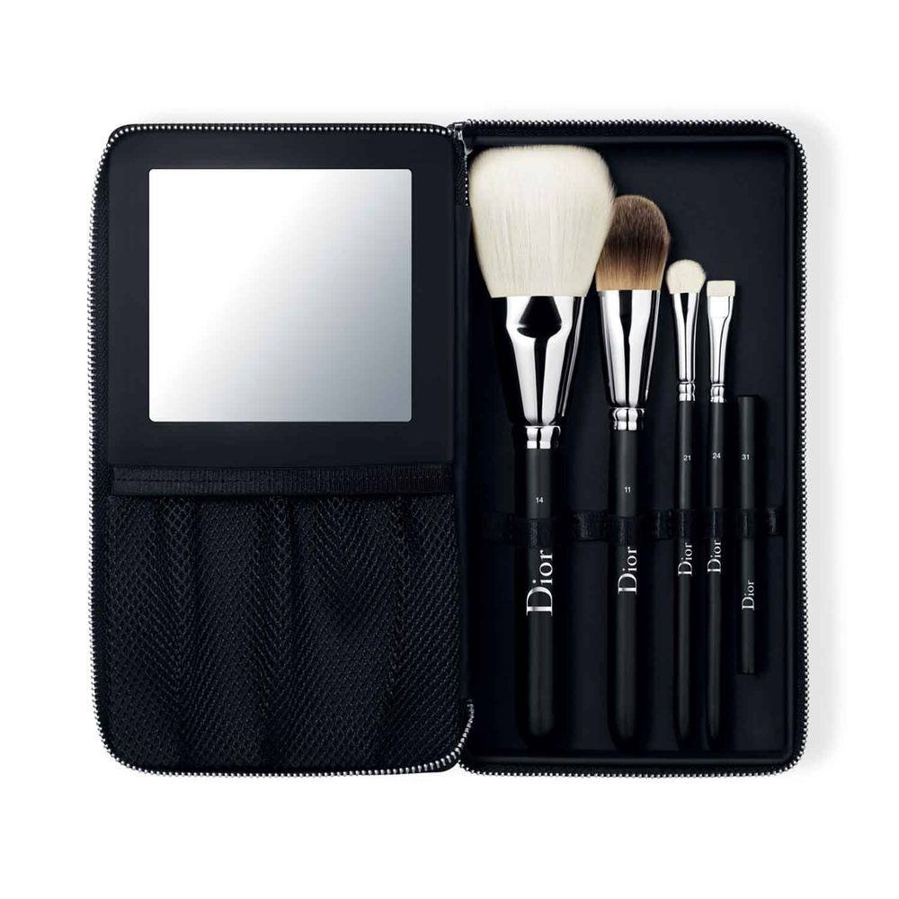 Backstage Pouch Brush